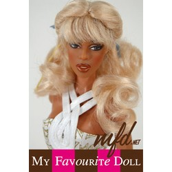 Lexy Wig Light  Peach Blonde Size 4